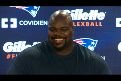 Great Quote: For me it's easy, cause I don't listen to folks as is. Vince Wilfork